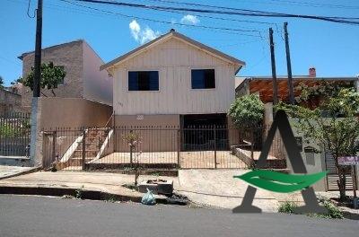 Casa 03 Quartos  -  Vila América