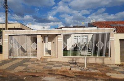 Londrina - Casa - Térrea 2 quartos e com Edicula para venda - Jd Amaro