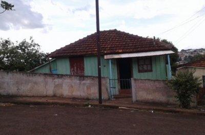 Casa  - 02 quartos - Jardim Bela Vista