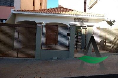 Cornélio Procópio   - Casa 3 quartos para locação - Centrro
