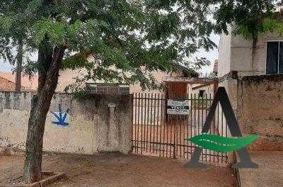 Casa 03 quartos - Vila Santa Terezinha
