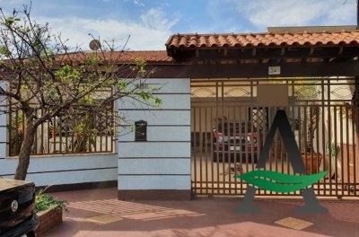 Casa 3 Quartos - Jd. Tarumã - Londrina