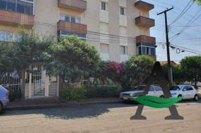 Apartamento - 3 quartos - Jd. Champagnat