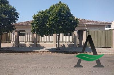 Casa- 04 quartos - Jardim Pioneiro- para Venda